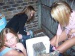 girls_peeing_15